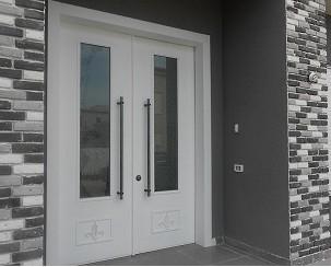 דלתות כניסה